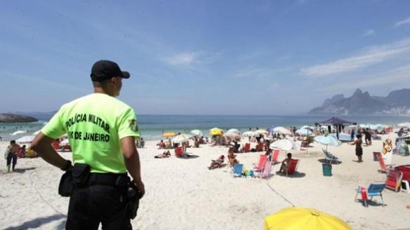 Se recomienda cuidar las pertenencias incluso en la playa.