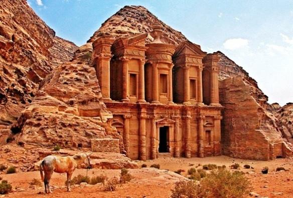 Petra, enclave arqueológico en Jordania y capital del antiguo reino nabateo.